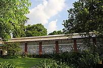 公园里的兰花棚架建筑