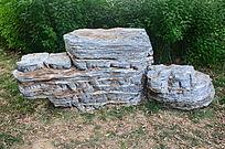 领奖台等级阶梯形状的石头