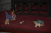 潍坊十笏园博物馆里少妇房中的布偶玩具