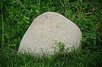 一块光滑干净的石块