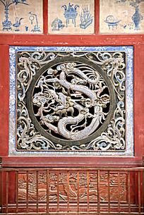 伏羲庙里的盘龙祥云图案木雕艺术图片