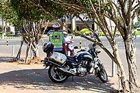 正在工作的交通警察