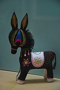 潍坊博物馆馆藏文物之小毛驴布偶