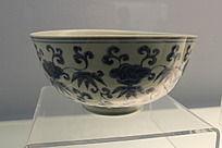 灵芝 花卉图案青花瓷碗