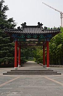 潍坊烈士陵园里的亭子