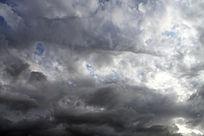 即将下雨的天空