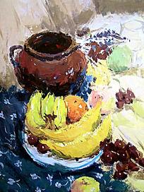 水粉画蓝色碎花衬布上的水果与坛子