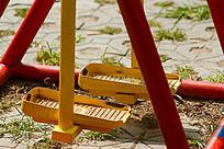 小区运动场的走步机