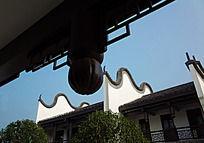 中式屋檐下的风景