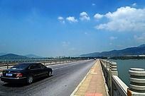 跨河大桥风光
