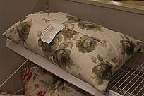 北欧玫瑰花纹靠枕
