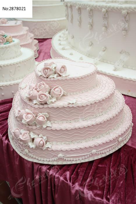 粉红色圆形蛋糕