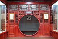 木质雕刻圆形门窗