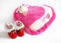 圣诞鞋子与粉红抱枕
