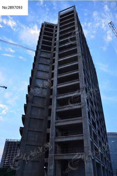 寿光企业家总部群高耸的在建大厦