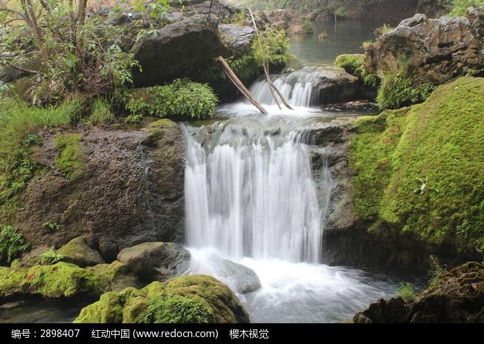 小溪流水瀑布图片