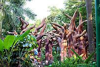 树木雕塑风景