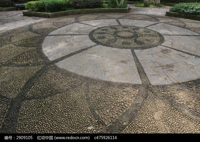 阳朔公园地面鹅卵石铺设造型图片