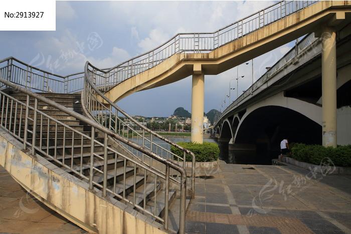 桂林市解放桥人行道楼梯图片