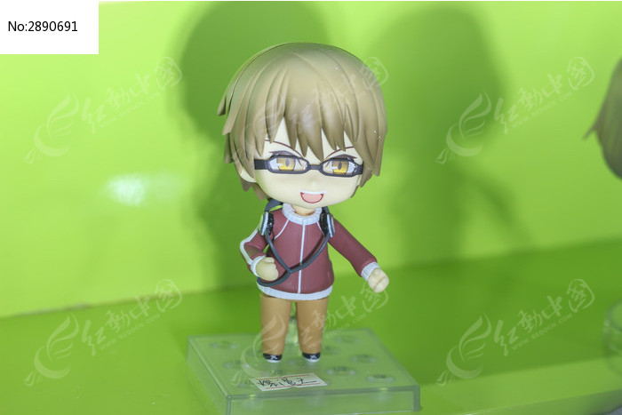 戴眼镜的q版小男生手办图片