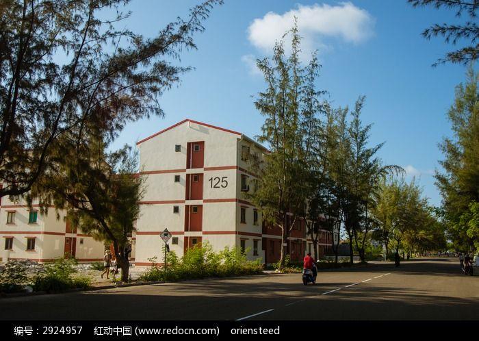 马尔代夫首都马累居民小区的住宅楼房图片