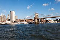 曼哈顿大桥横跨大海