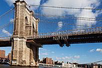 曼哈顿大桥桥墩与钢拉索
