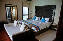 马尔代夫Coco岛水上别墅主卧的大床