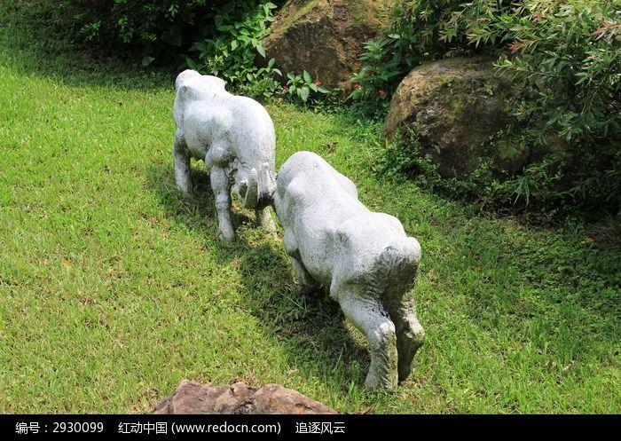 两个山羊雕塑 雕刻艺术作品