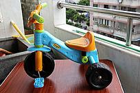 彩色儿童玩具车