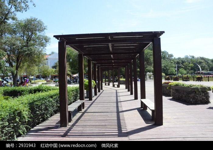 木制休息长亭走廊图片