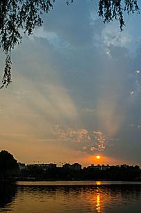 日落时分万丈霞光夕阳火烧云