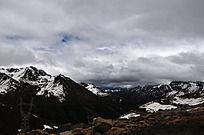 西藏高原雪山山脉