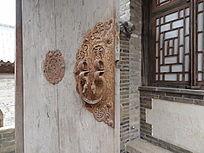 木门与门扣