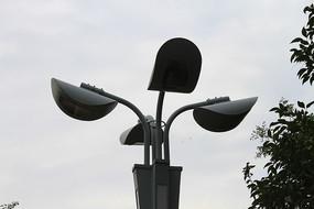 城市灯塔剪影效果