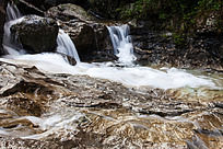 黄山翡翠谷 岩石滩上的流泉