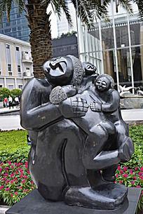 一家四口人物亲情塑像雕刻