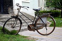 破旧的自行车
