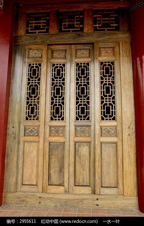 中国古典木门特写图片