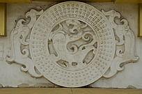杨家埠民间艺术大观园里的汉白玉石刻
