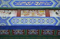 杨家埠民间艺术大观园里雕梁画栋的横梁