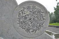 杨家埠民间艺术大观园石刻之鸟踩梅花枝