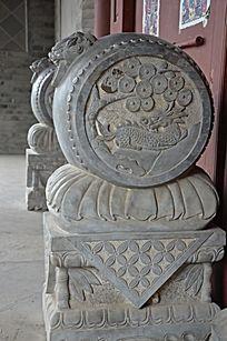 杨家埠民间艺术大观园石刻之石鼓