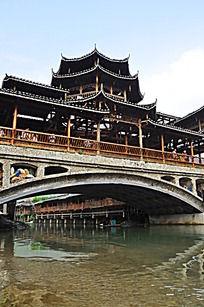 中国风古建筑水上廊桥