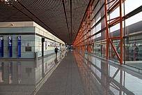 北京机场航站楼旅客通道