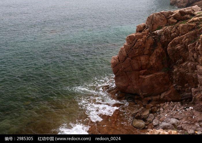 大海边的岩石