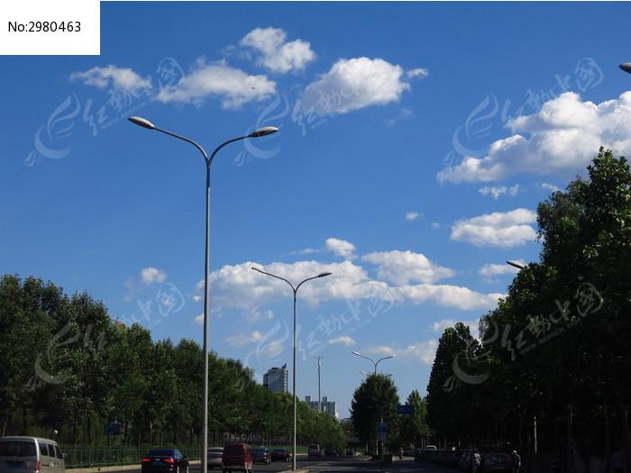 道路和路灯图片,高清大图