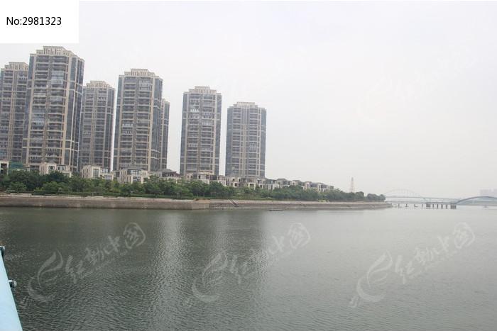 海边的高楼大厦 海上花园小区 高档住宅小区