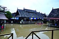 建在水上的房子