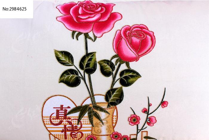 两朵玫瑰花刺绣贴图